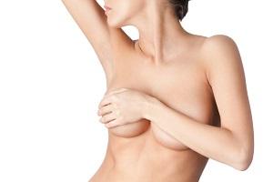 Agrandir les seins : lipofilling et augmentation mammaire